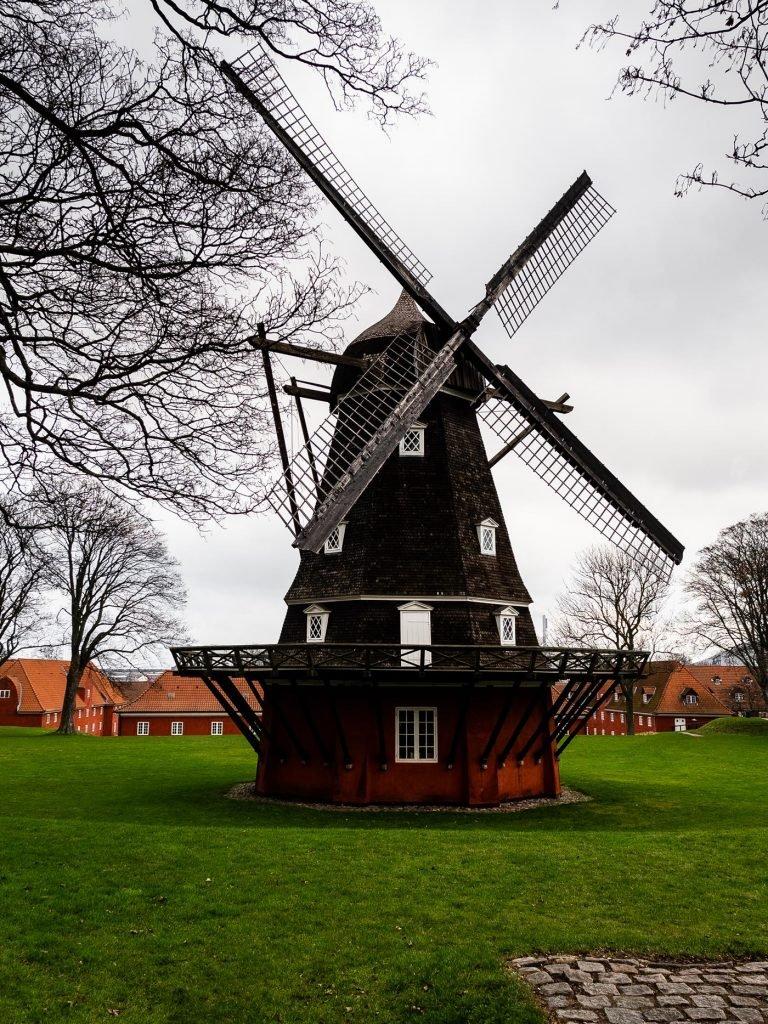 Kopenhaga. Wiatrak w Kastellet