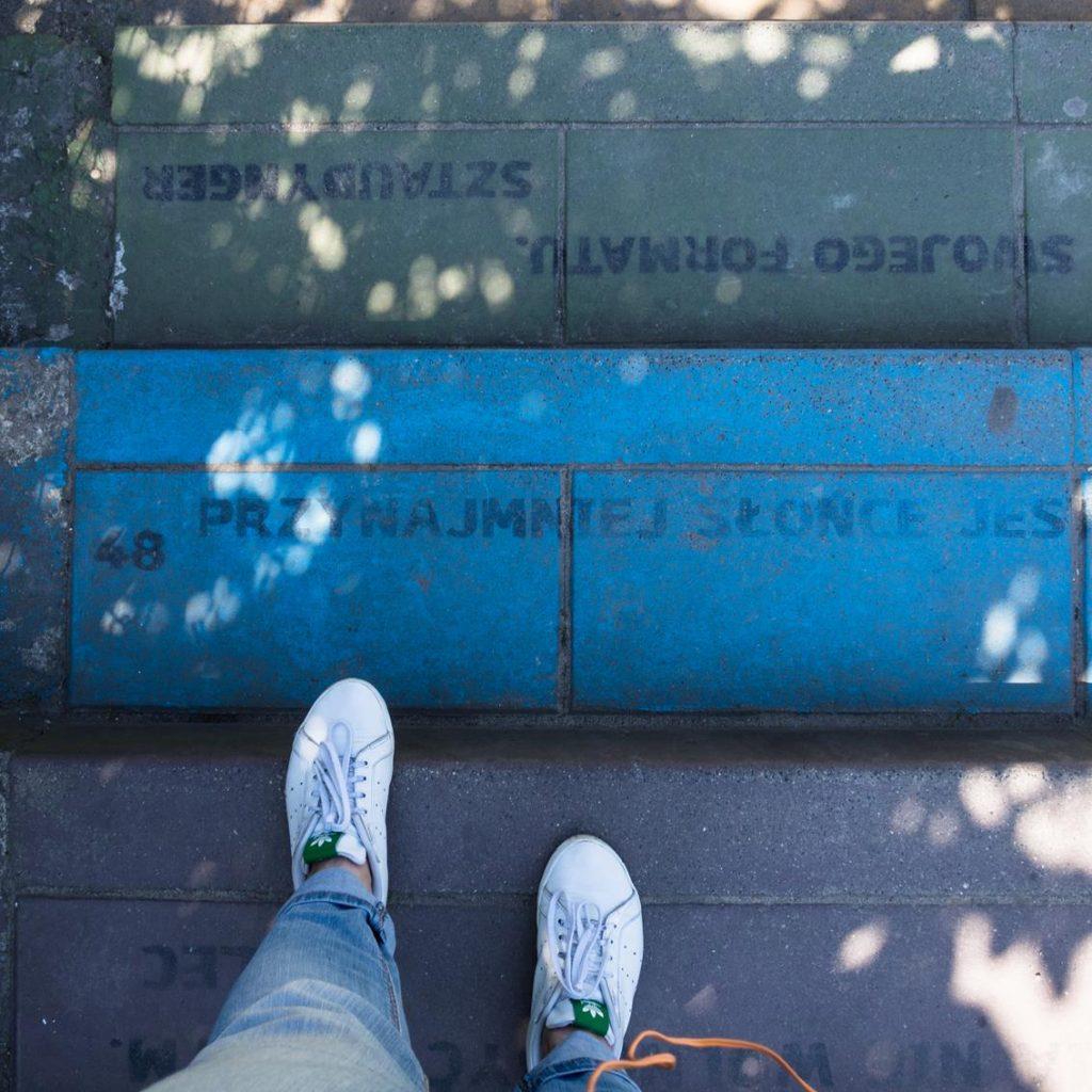 Kolorowe schody doprowadzą Cię do paru ciekawych atrakcji w Krakowie.